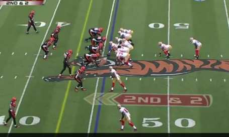 Vernon_davis_39_yard_rec_formation_medium
