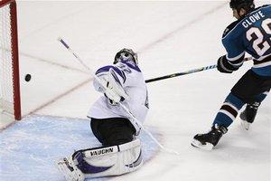 51051_kings_sharks_hockey_medium