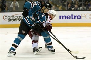 85307_coyotes_sharks_hockey_medium