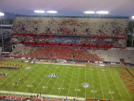 Arizona_wildcats_stadium_vs_ucla_medium
