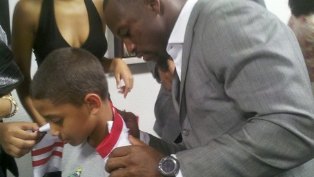 Vernon_signing_jersey_medium