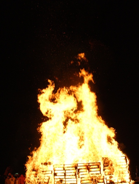 Bonfire_dsc07427_medium