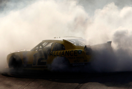 2011_phoenix_nov_nns_race_hornish_donuts_medium