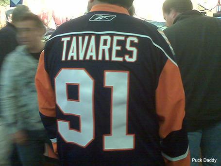 Tavares_jersey_foul_medium