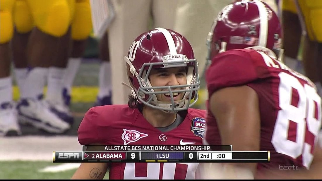 championship football game how long are college football quarters