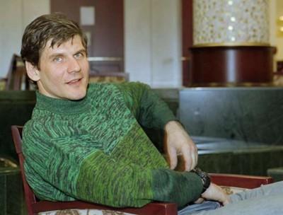 Yashin_hotel-lobby_medium