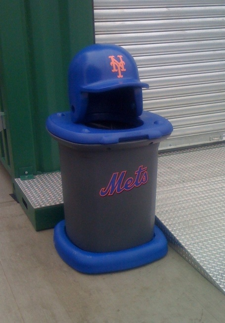 Citi_field_-_11_-_mets___garbage_medium