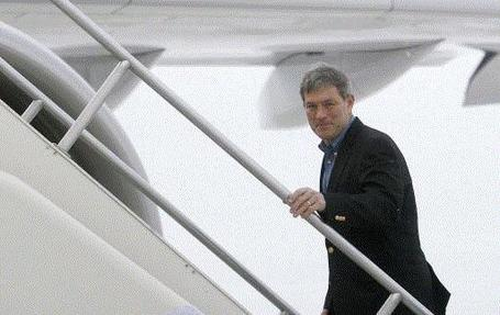 Kirk-ferentz-is-getting-on-a-plane_medium