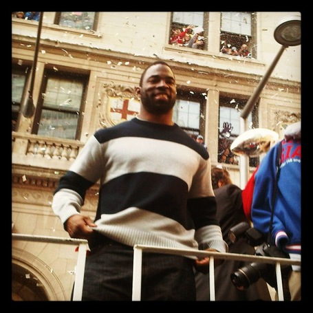 Justin_tuck_parade_medium