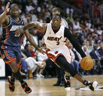 962-bobcats_heat_basketball_medium