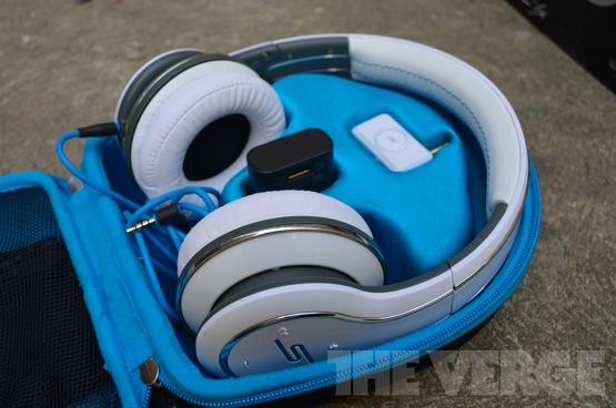 Sync-headphones-review-open