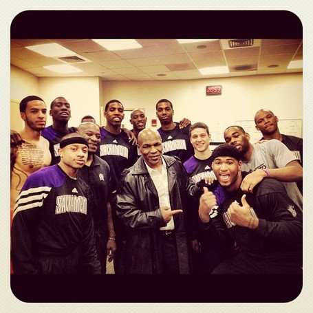 Mike_tyson_sacramento_kings_medium