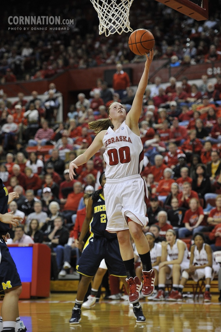 Huskers Lindsey Moore