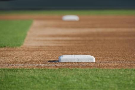 Baseball_firstbase_medium