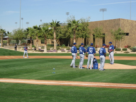 Pitchers-pickoff-plays-2b_medium