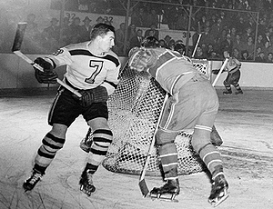 1946_playoffs_bruins_reardo_medium