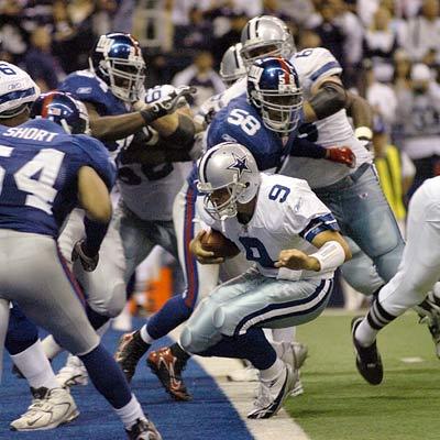 Tony-romo-dallas-cowboys-touchdown-400a-113006_medium