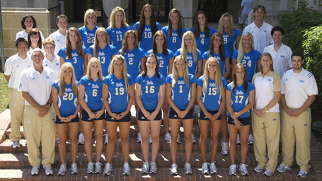 08-ucla-wvolley-team_medium
