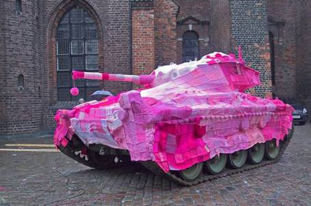 Pink_tank_medium