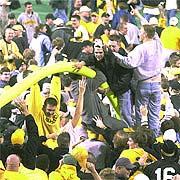 2002-11-17-inside-fans_medium
