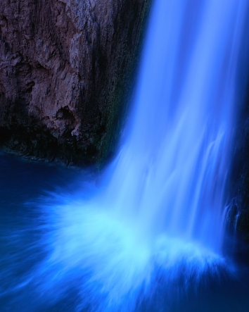 Flow_water_fall_medium