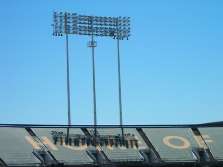 Oakland_coliseum_070801_medium