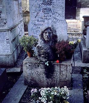 Morrison_grave_medium