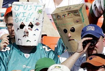 Miami_dolphins_bag_fans_feature_medium