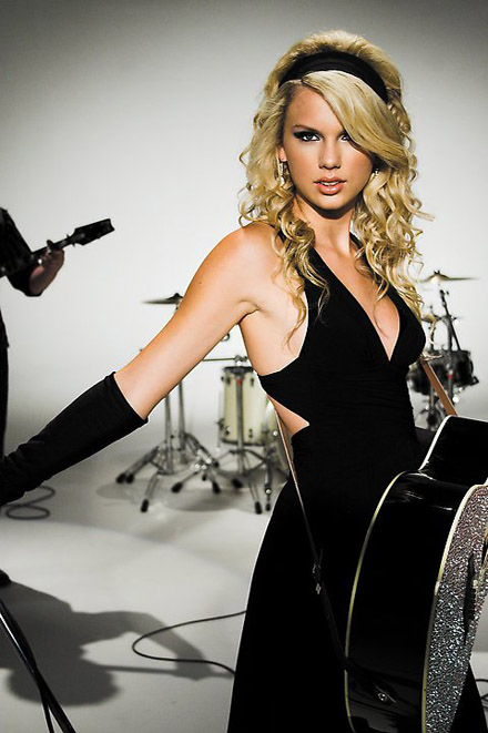 Taylor-swift-b01_medium