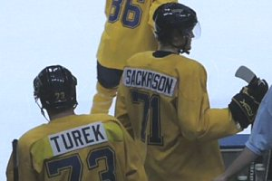 Ryan Turek (L) and fellow collegian Andy Sackrison take the ice at the Blues' Development Camp in summer 2008 (Game Time photo by Brian Weidler)