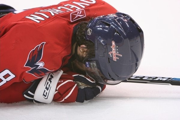 Ovechkin_facedown