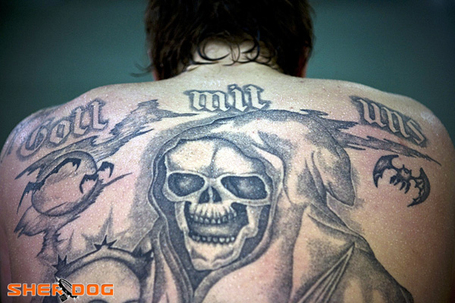 Vor Tattoo's (with a Swazi no less) Aleksander Emelianenko's Back