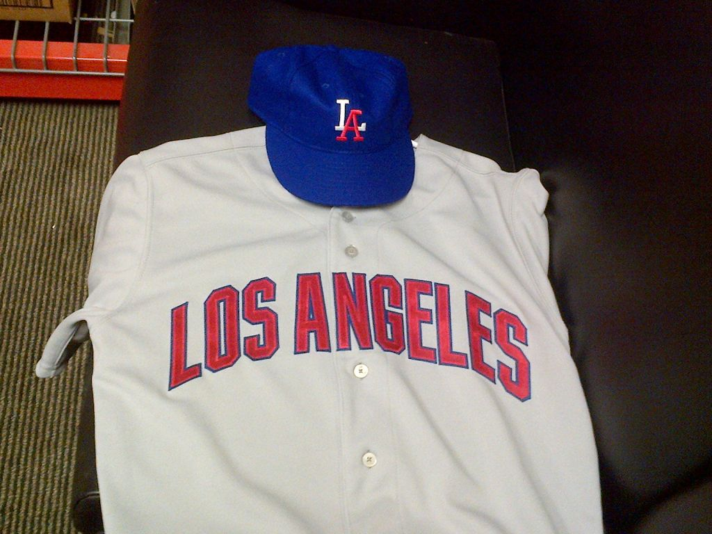 quality design 3c9fd 95dca Angels To Unveil Throwback Uniforms Against Mariners This ...