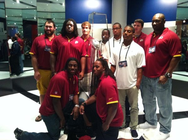 Photo Redskins Rookies Including Rgiii Posing With