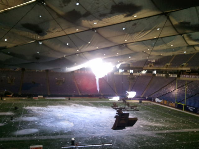 Photo Metrodome Roof Collapse Leaves Snow On Mall Of
