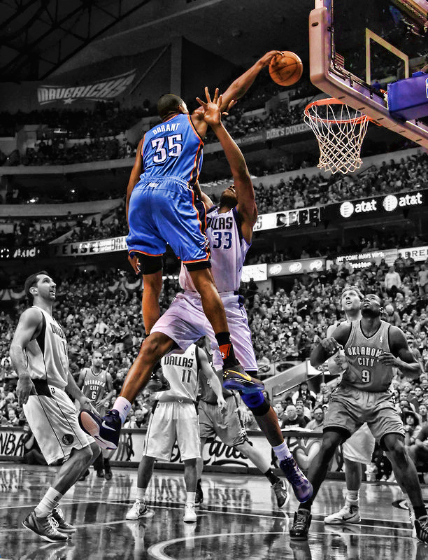 d27f8691cccf VIDEO  Kevin Durant Dunks On