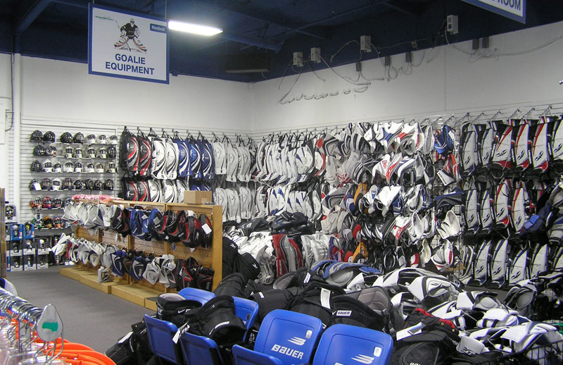 The latest Tweets from HockeyGiant (@HockeyGiant). We are the number 1 hockey E-retailer in the US for ice and roller hockey equipment. Carlsbad, CA.